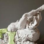 Древние экспонаты в современной одежде