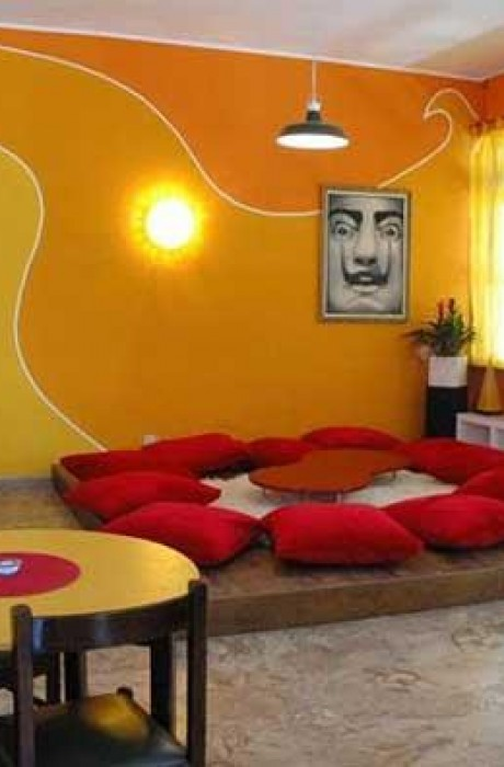 Sunflower Beach Backpacker Hostel, Римини, Италия2