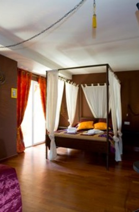 The Rooms Deluxe Hostel 2