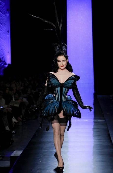 jean-paul-gaultier-haute-couture-spring-2014-show42-467×700
