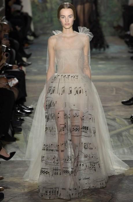valentino-haute-couture-spring-2014-show1-467×700