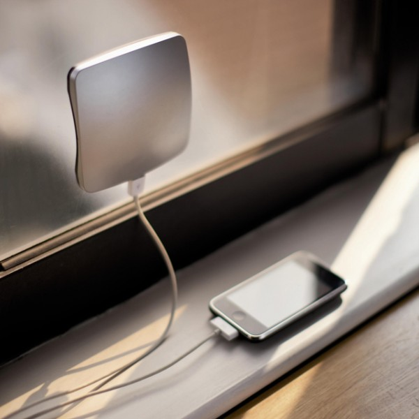 солнечная батарея, зарядка для телефона