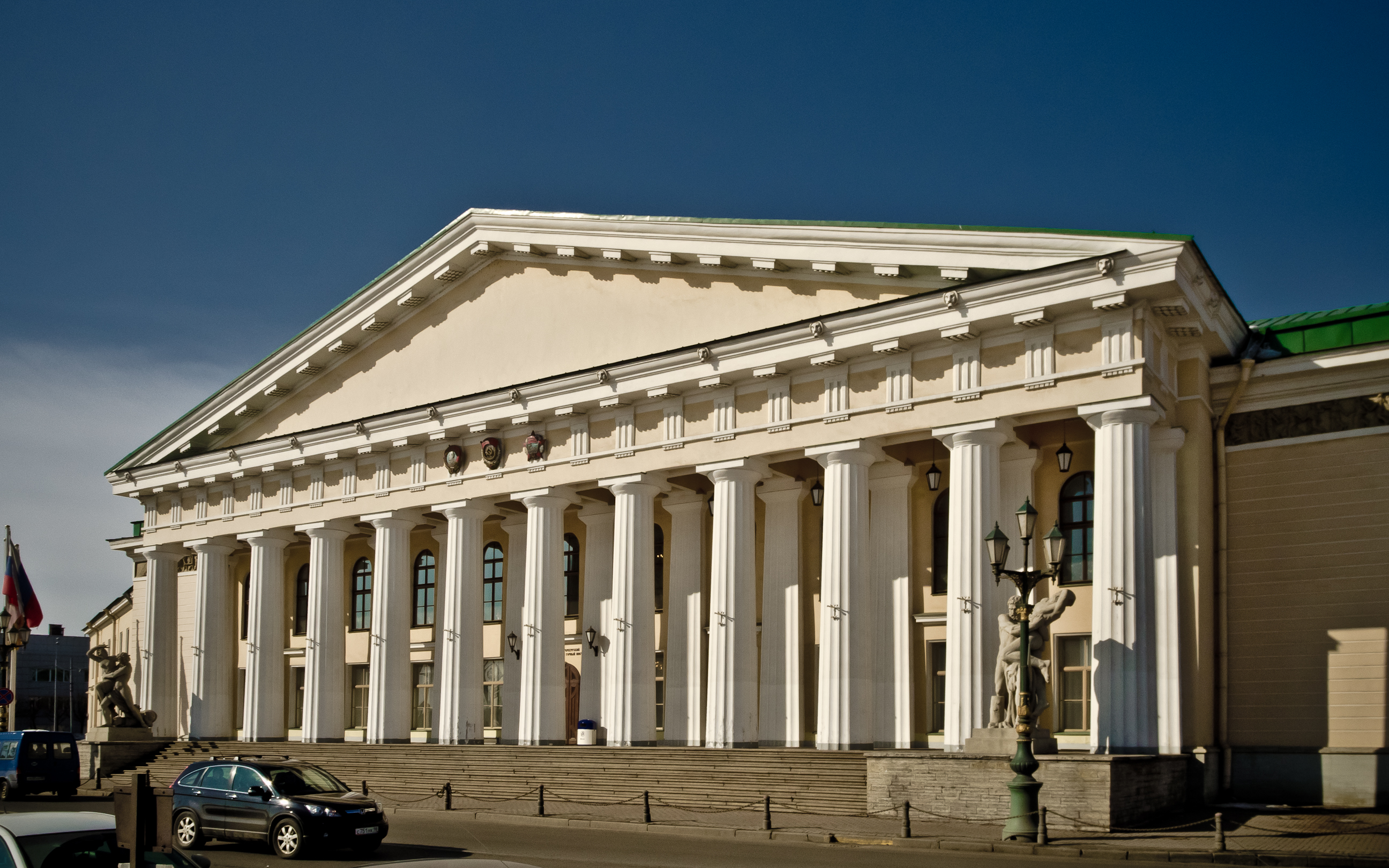 Saint_Petersburg_Mining_Institute